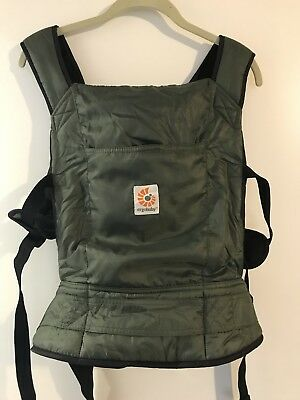 Ergo Baby Travel Carrier olive green nylon packable pouch rarely used with box