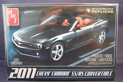 AMT 2011 Chevy Camaro SS / RS Convertible 1:25 Scale Model Kit Showroom Replicas