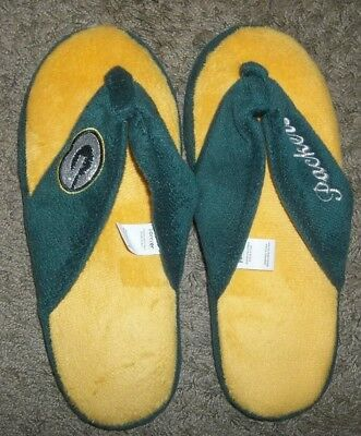 Very Nice Pair Of Womens Green Bay Packers Slippers Size Large(9-10)