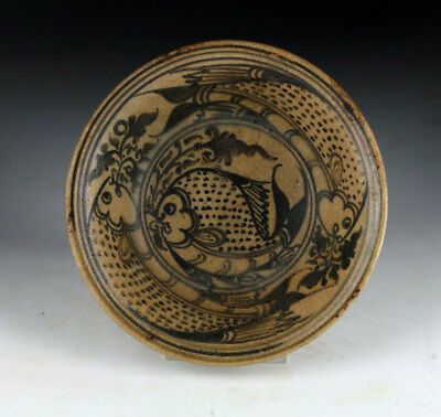*SC* EXCEPTIONAL NORTHERN THAI POTTERY BOWL w. FISH MOTIF, 14th-16th cent.