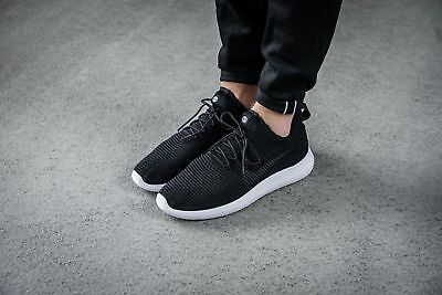 quality design b5a01 4a595 Women s Nike Roshe Two Flyknit V2 - Size 12 (917688-001) BLACK