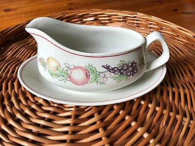 Boots Orchard Gravy/Sauce Boat & Stand