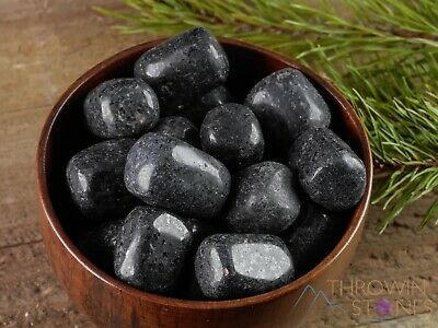 NUUMMITE Tumbled Stone from Greenland E0833