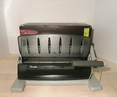 Swingline LightTouch Heavy Duty Paper Punch (74357)