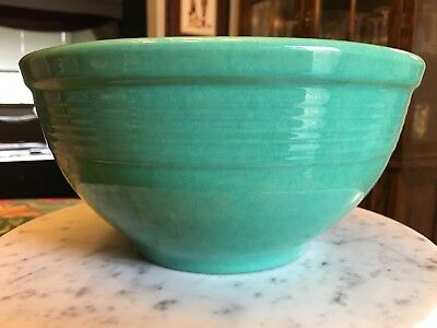 "Vintage USA??  Jade Green Pottery Mixing Bowl 8.5"" Wide 4.25"" Tall"