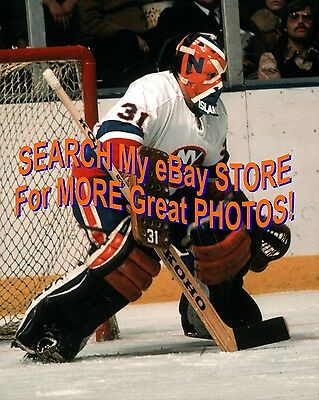 f9e24671c HOFer Billy SMITH READIES 4 a New York ISLANDERS Save 8X10 OUTSTANDING !
