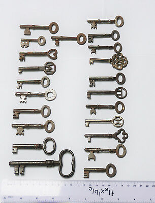 A collection of old keys, Mostly Antique, 22 in total, The Largest being 10.5 cm