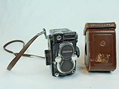 Vintage Yashica 44 LM Twin Lens Reflex Camera 4x4 Cm 1950's With Case UNTESTED