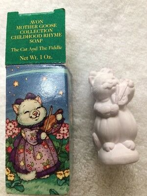 """Vintage Collectible Avon  """"Mother Goose Soap"""", Original Box, Cat And The Fiddle"""