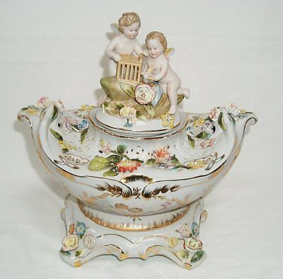G160: LARGE BAROQUE Porcelain Centerpiece with Angel Putt