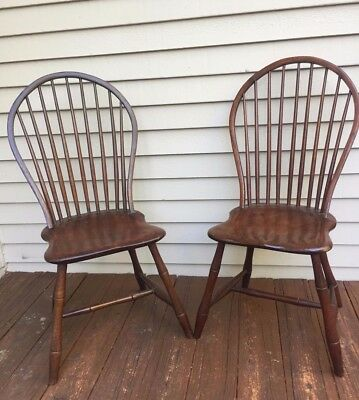 Matching Pair Nine Spindle Bow-Back Windsor Side Chairs 1790-1810 Pennsylvania