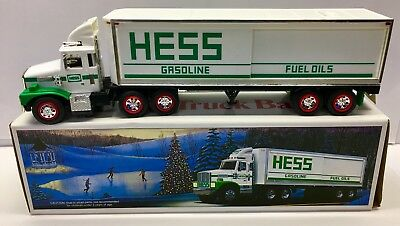 1987 Hess 18 Wheeler Truck Bank Gasoline Fuel Oils NEW in Box 31 years old