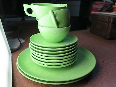 Beautiful green bakelite set 2 large plates, 4 side plates & 4 cups & saucers
