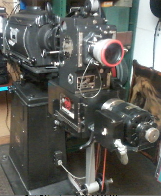 35mm Film Movie Theater Projector (SIMPLEX E7) plus PLATTER SYSTEM & many extras