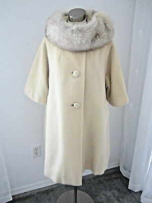 Vtg.  Lilli Ann  Paris  Cream Mohair Swing Coat Fox Fur Collar 3/4 Sleeves