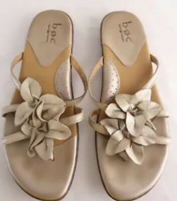 0f2bf0dd01553 Born BOC Gold Leather Flip Flops Sandals Flats Shoes Thongs Flowers Women s  8 39