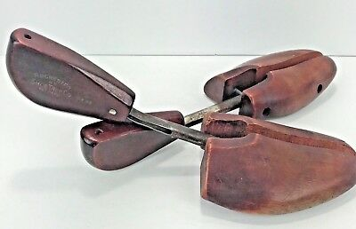 Pair vintage Rochester Shoe Tree Company 5 GENE stretchers shapers spring action