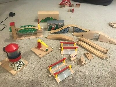 Brio wooden train set bridges and tunnels - see all lots