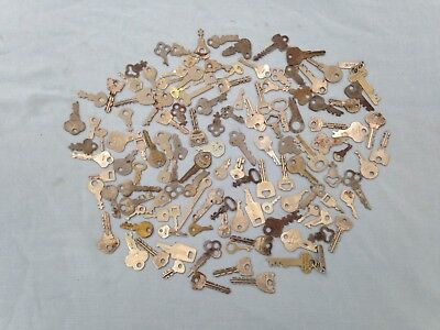 Lot of 125 Vintage Flat Skeleton Keys Lock Trunk Suitcase Cabinet
