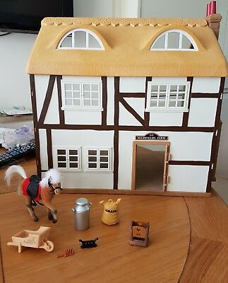 sylvanian families Highfields farm Bundle with working lights and fireplace