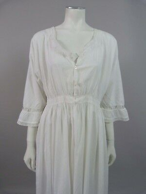 Fine Victorian / Edwardian nightdress with tiny shell buttons - UK 8, 10, 12