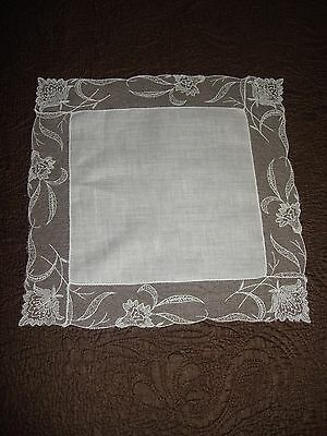 Pretty Antique C1910 Laced Trimmed Ladies Handkerchief