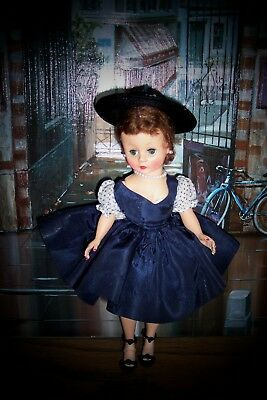 MME ALEXANDER 50s JOINTED CISSETTE DOLL in DOTTED NAVY & TAFFETA, CAMISOLE HAT