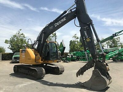 2013 John Deere 135G Excavator T4i -w/ Hyd Thumb  - Excellent Condition !!
