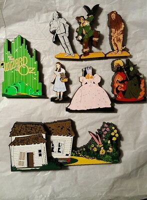 Wizard of Oz Collection  8 Wood Shelf Sitters by Shelia EUC