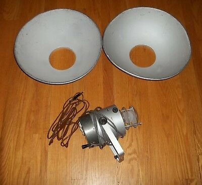 "Monolight X 200 by Bowens: with Two 18"" Reflectors, and  15' Flash Cord"