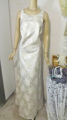 Mother Of The Bride Dress by Onyx Nite-Size 24- Ivory and Gold