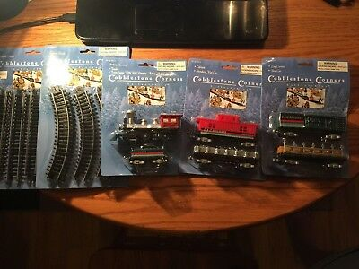 Cobblestone Corners Model Train Set New - Complete !