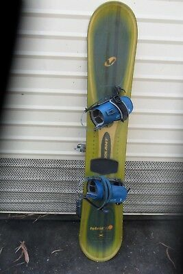 HybridDS 157   VOLANT  WITH  AMERY  BINDINGS  SNOWBOARD MADE IN USA