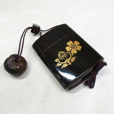 D174: REAL Japanese old lacquered SAMURAI pillbox INRO with MAKIE and NETSUKE. 1