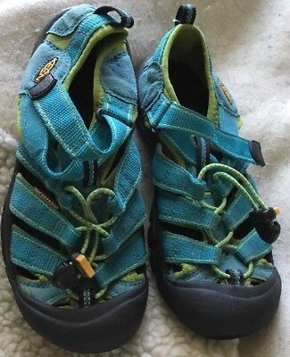KEEN Girls Size US 4, EU 36 Turquoise Blue with Green Trim Waterproof Sandals
