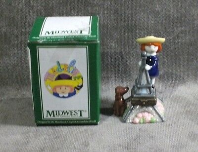 Midwest Cannon Falls Collectibles Figurine Madeline Girl Effel Tower  MS3