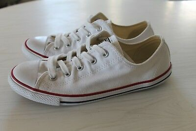 New Converse all stars low cut shoe - size 8 US