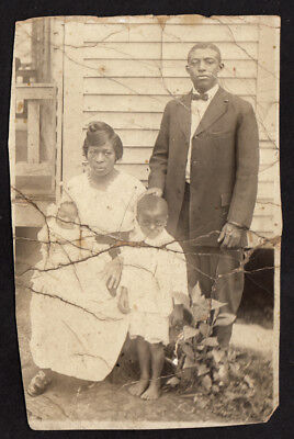 WEARY FACES STOIC BLACK WOMAN, MAN, BABY & BAREFOOT BOY ~ 1910s VINTAGE PHOTO