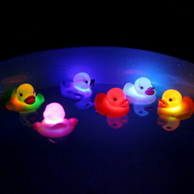 Led Flashing Light Rubber Floating Duck With Bath Tub Shower Toy For Kids Newly