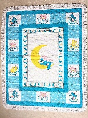 Vtg 1980s Care Bears BEDTIME BEAR Blue Quilted Crib Baby Blanket Eyelet Lace EUC