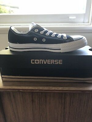 ⚡️Converse Size 7 Low Cut Sneakers⚡️