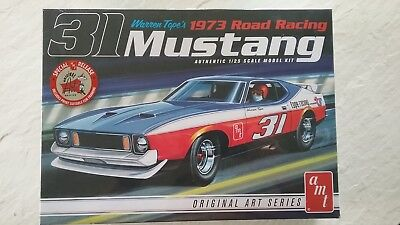 AMT Warren Tope 1973 Ford Mustang Road Racing Kit #AMT896/12 1/25 Scale Skill 2