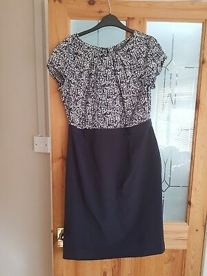 ladies navy and white wiggle dress size 16