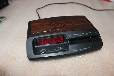 General Electric model 7-4621A - 2 wake times.  Great Condition.