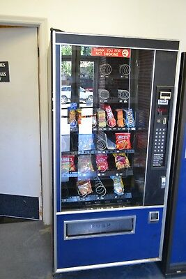 Used SNACK MACHINE  For Sale Excellent Working Condition