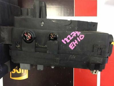 06  Pontiac Cobalt Pursuit 2.2L 2.4L Engine Bay Fuse Relay Junction 15269046