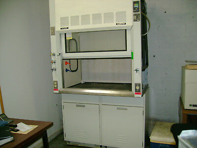 Fisher Hamilton Safeaire 4ft Lab Fume Hood - No Shipping