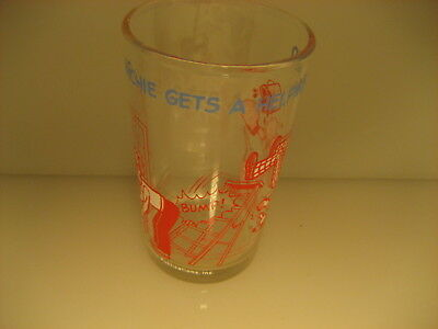 1970s WELCH'S JELLY JAR ARCHIE COMICS GLASS JAR REGGIE HELPING HAND PAINTING