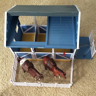 Breyer Classic Country Wash Stable/Pre-owned