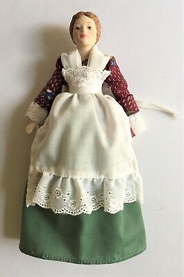 AVON COLLECTIBLES VINTAGE ©1987 - VICTORIAN STYLE LADY PORCELAIN DOLL - 9 in.